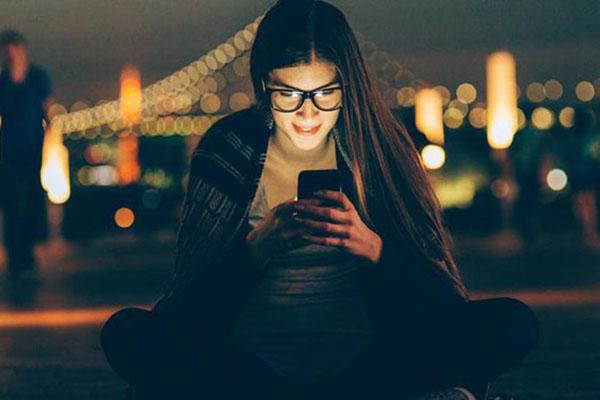 Lợi ích của tính năng Topup Data so với mua thẻ nạp data 3G