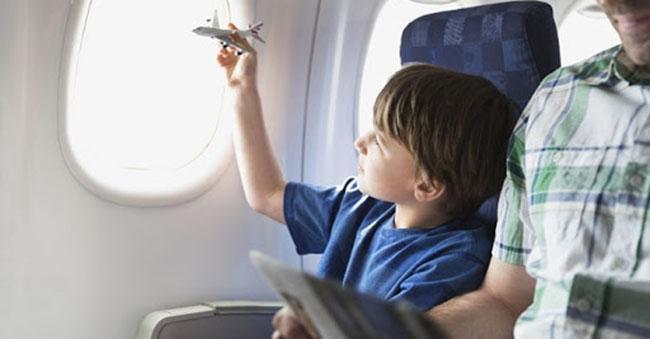 Mua vé máy bay cho trẻ em