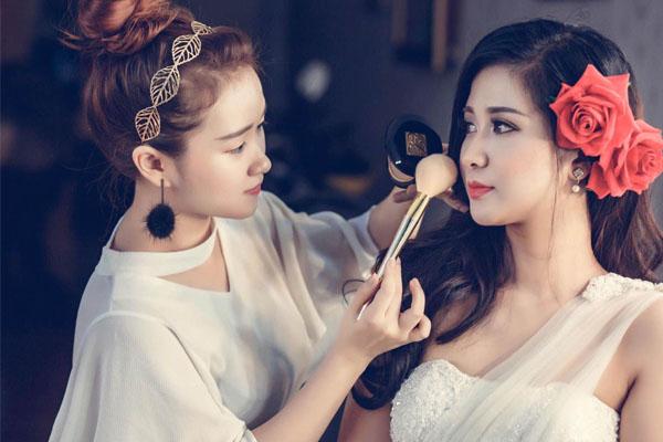 Hoang-giang-make-up